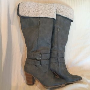 Sz 9 Tall gray heeled boots with faux fleece